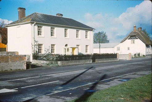 Noads House and The Bell Inn, 1962