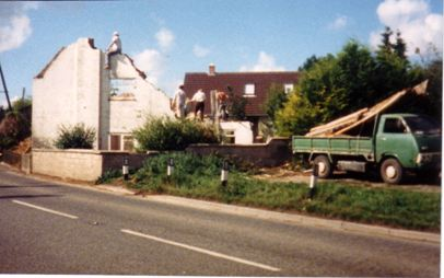September 1987 - Demolition of Breach House. Home of Bob Read. Opposite was The Black Horse Public House, now residential