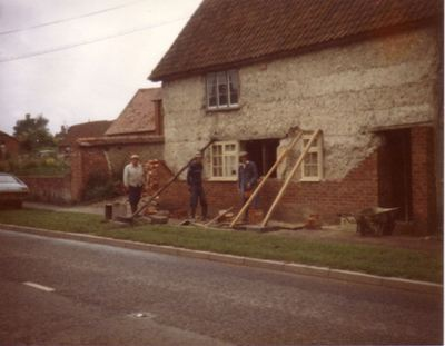 1980-81 Rose Cottage. Pete Waylen, Derrick Potter and Simon Potter